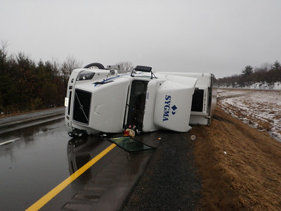 RYAN TOWNSHIP MM125 I 81 VEHICLE ACCIDENT 2-25-2011 PICTURES AND VIDEOS BY COALREGIONFIRE