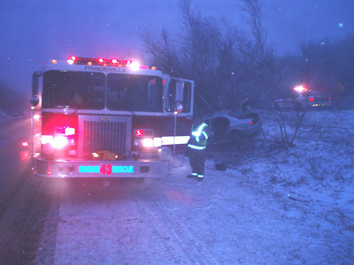 BUTLER TOWNSHIP - MM122 INTERSTATE 81 VEHICLE ACCIDENT 2-17-09 PICTURES AND VIDEO BY COALREGIONFIRE