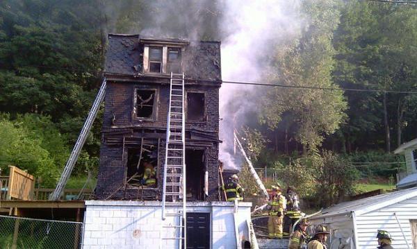 PALO ALTO HOUSE FIRE 7-28-2010 PICTURES BY JOHN DESJARDINE
