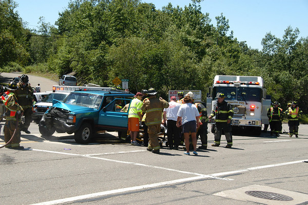 MAHANOY TOWNSHIP ROUTE 54 VULCAN HILL VEHICLE ACCIDENT 7-3-2010 PICTURES AND VIDEOS BY COALREGIONFIRE